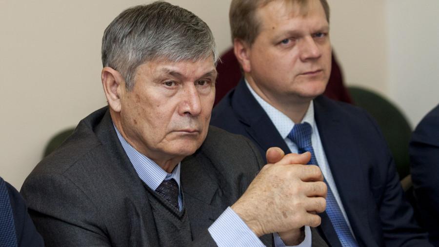 Александр Атабаев (слева).