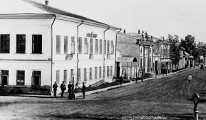 Улица Льва Толстого в Барнауле, начало XX века.