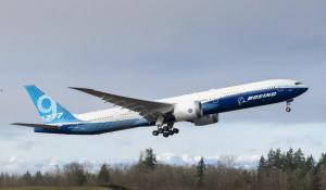 Boeing-737x на первом испытательном полете.