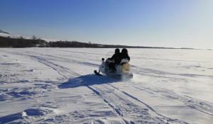 Спасатели на Алтае борются с последствиями снежной стихии.