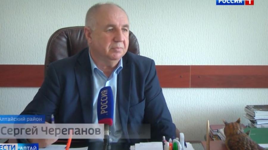 Глава Алтайского района Сергей Черепанов.