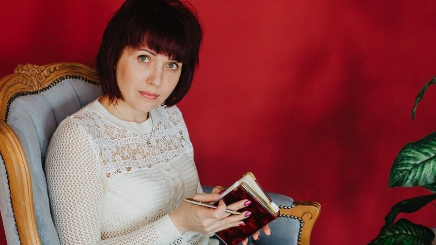 Елена Ахмерова.