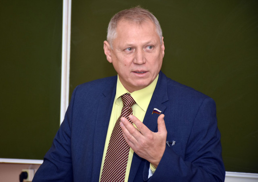 Валерий Елыкомов.