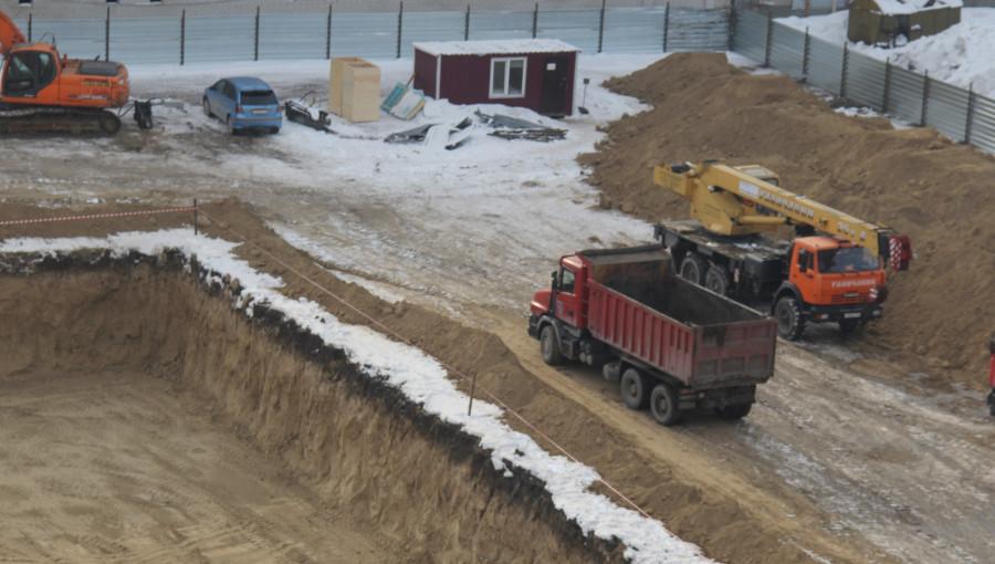 В Барнауле строят новую поликлинику.