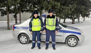 Лейтенант полиции Александр Рикерт и старший лейтенантПавел Петухов.