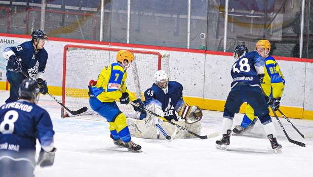Хоккеисты «Динамо Алтай» - бронзовые призёры регулярного первенства.