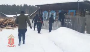 Оперативники задержали подозреваемых в разбойном нападении на семью. Красноярский край.