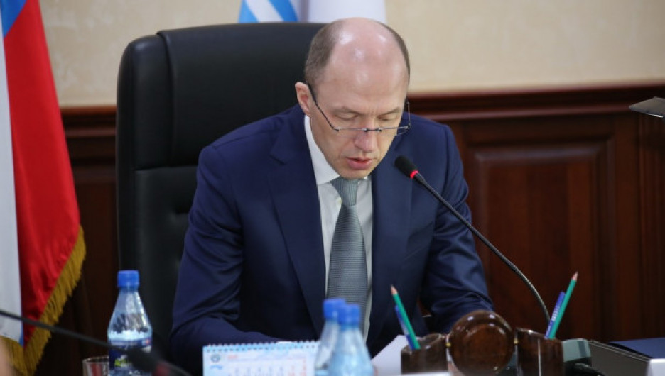 Алтайский губернатор призвал сибирских туристов сидеть дома