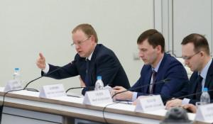 Виктор Томенко и алтайские министры на защите проекта модернизации в Минстрое России.