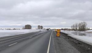 Дорожники справились с подтоплением трассы в Алтайском крае.