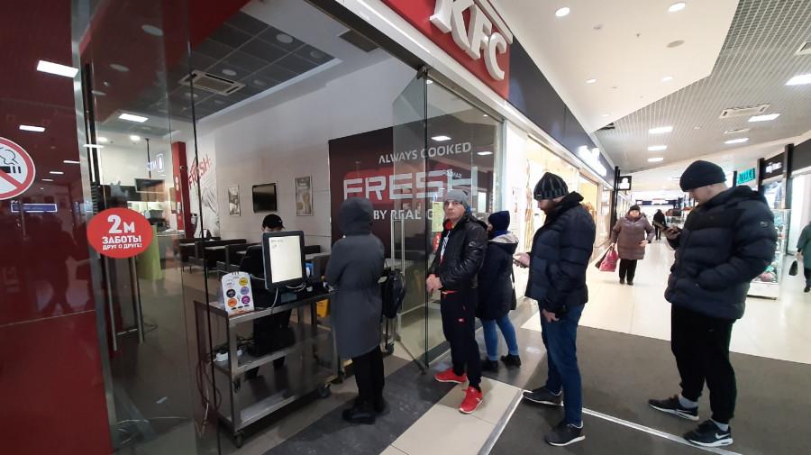 """Общепит в Барнауле работает только """"на вынос""""."""