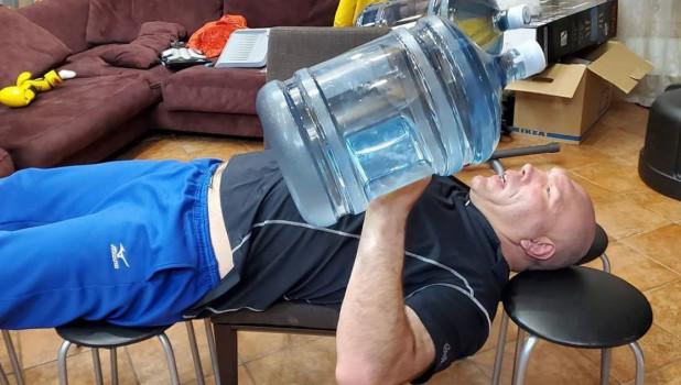 Николай Валуев в самоизоляции возобновил тренировки.