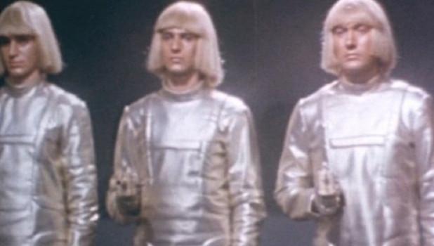 Роботы из фильма.