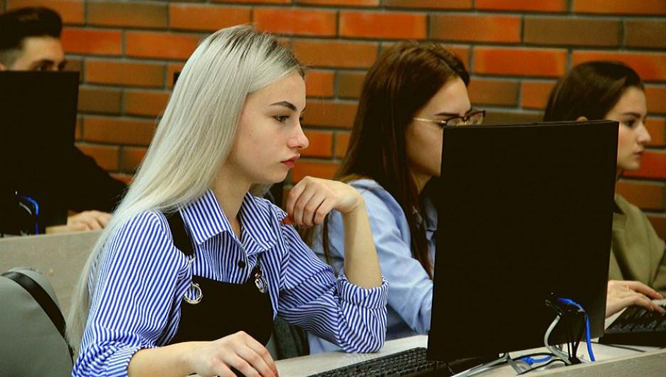 Алтайский филиал РАНХиГС запускает онлайн-проект #Учимся дома.