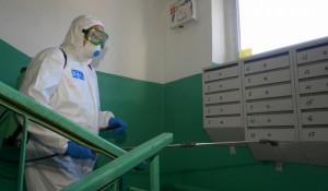 Дезинфекция подъездов от коронавируса в Барнауле.