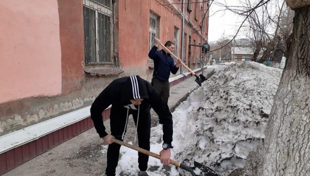 """Некоторые жители Барнаула устроили """"Чистый четверг"""""""