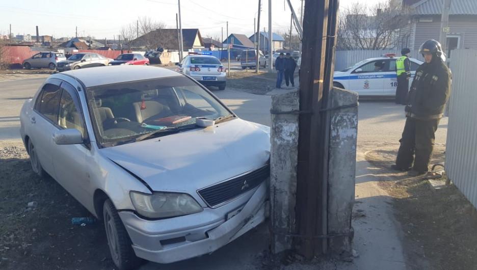 Авария с мотоциклистом в Барнауле.