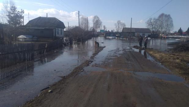 Паводок пришел в Красногорское.