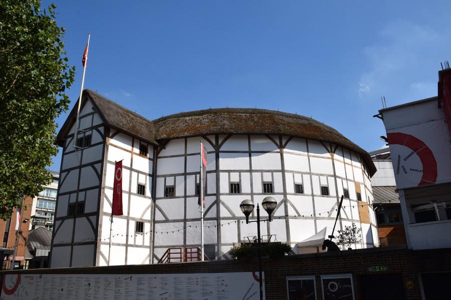 """Театр """"Глобус"""" в Лондоне, где работал Шекспир"""