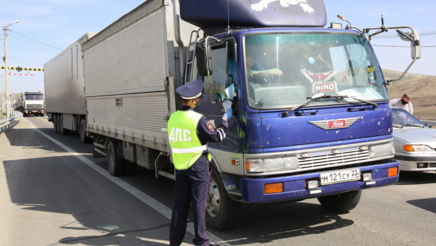 Проверка автомобилей на Алтае во время пандемии коронавируса.