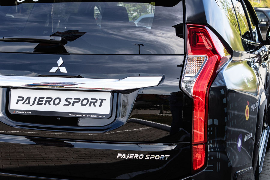 Mitsubishi Pajero Sport.