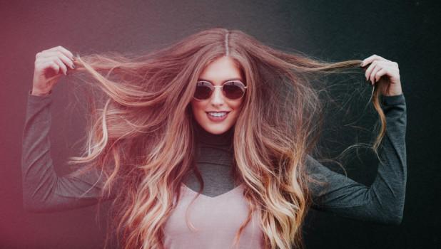 Женщина. Волосы.