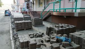 Укладка плитки на ул. Советской.