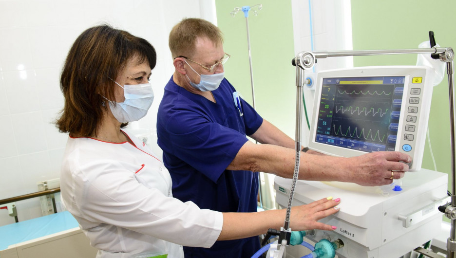 Новый аппарат ИВЛ в барнаульской клинической больнице №11.