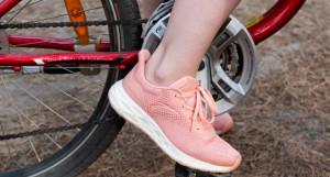 Велосипедисты на «Трассе здоровья».