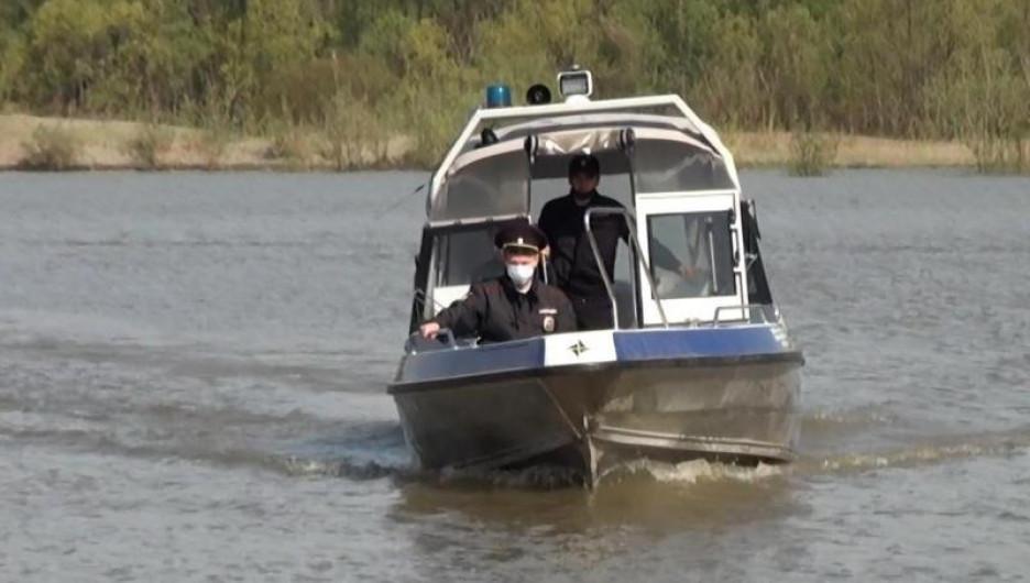 Полицейские поймали браконьеров на Оби.