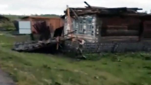 Последствия урагана в Кемеровской области.