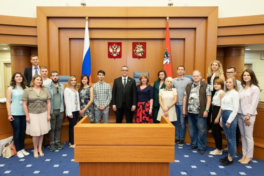 Алексей Шапошников с коллегами в Мосгордуме.