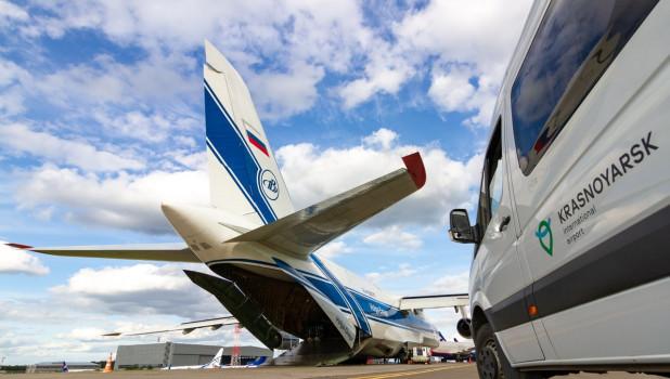 Грузовой самолет Ан-124-100.