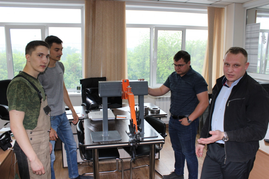Коллектив конструкторского бюро «Технологии металлообработки»