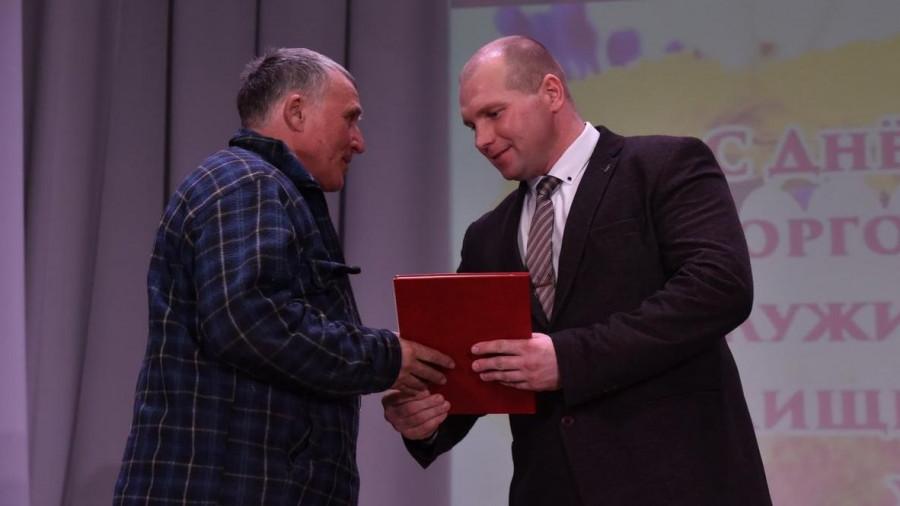 Дмитрий Петраков (справа).