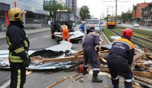 МЧС устраняли последствия урагана в Барнауле, 13 июня 2020 год