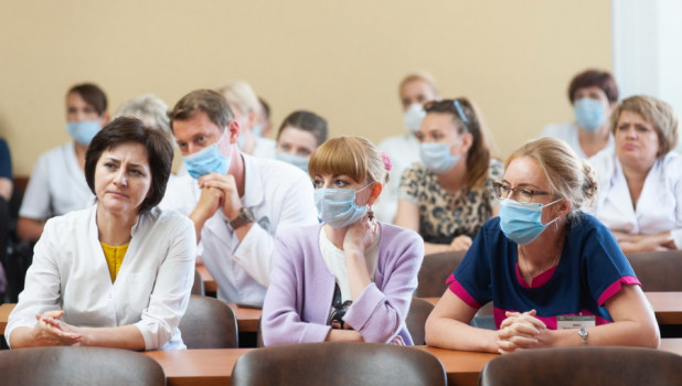 Встреча министра здравоохранения края с медиками диагностического центра.