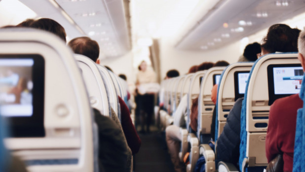 В самолете. Авиасообщение.