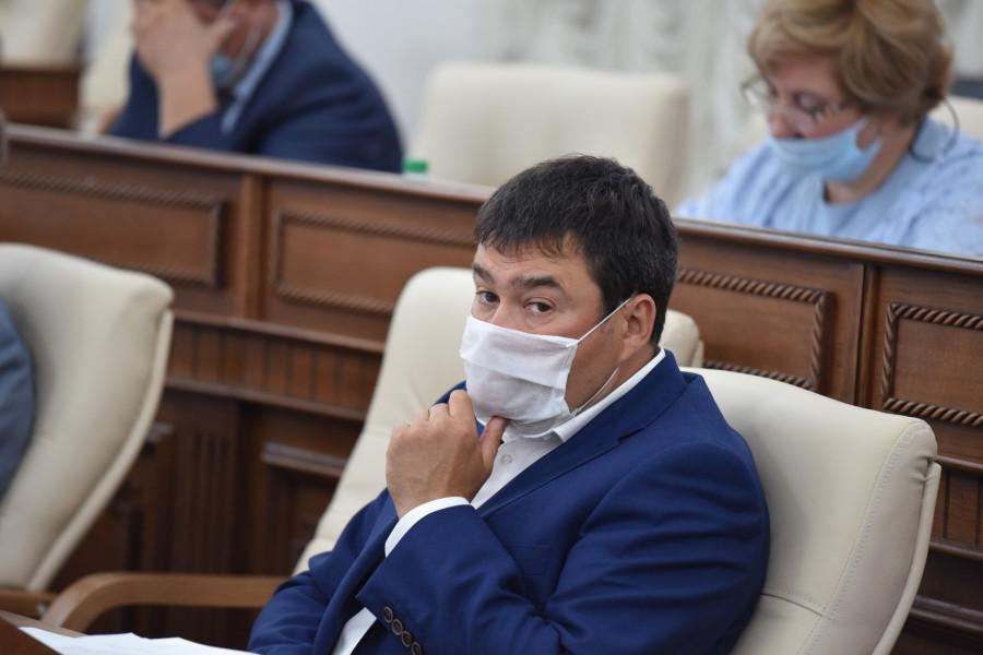 «Мы - партия сюрпризов». Владимир Семенов объяснил, почему Алтай теряет людей, Жириновский идет в АКЗС, а Навальный играет не на свои