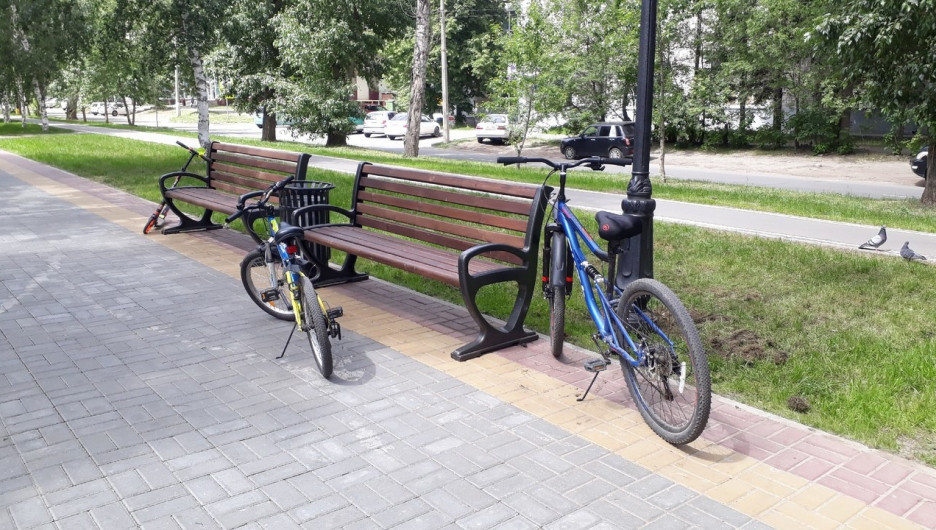 Так выглядят велодорожки на улице Исакова в Барнауле.