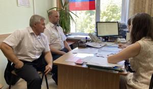 Андрей Крылов подает документы для регистрации в качестве кандидата в депутаты АКЗС.
