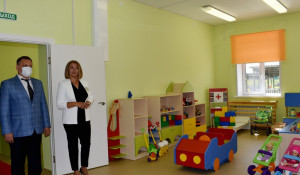 Во время открытия детского сада в Новоалтайске краевое правительство представлял министр образования Максим Костенко.