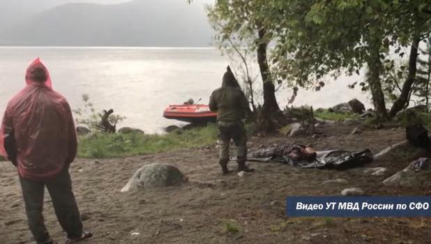 На Телецком озере нашли утонувшего мужчину.