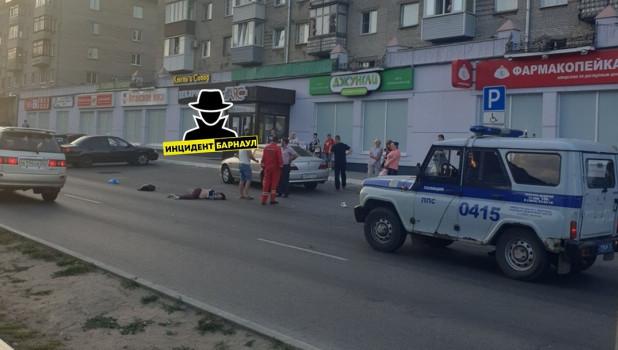 ДТП на ул. Антона Петрова в Барнауле.