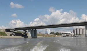 У Нового моста в Барнауле.