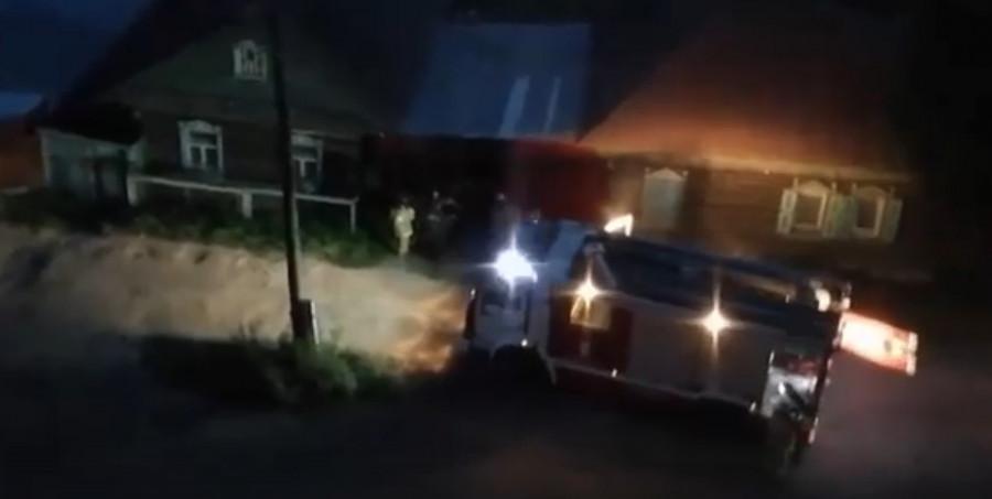Пожарные приехали на копчение кур в Бийске.