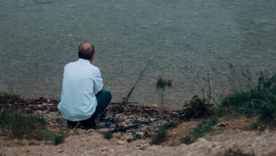 Рыбалка. Водоем. Река.