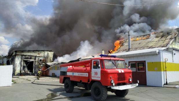 "Пожар на заводе ""Рикон"" в селе Зимари, Калманский район."
