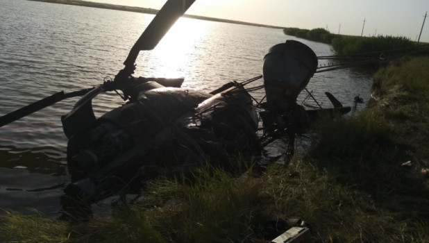 Вертолет упал в Ростовской области.