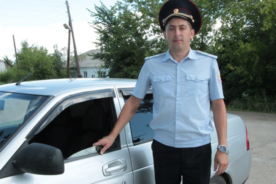 Алтайский полицейский спас двух женщин.